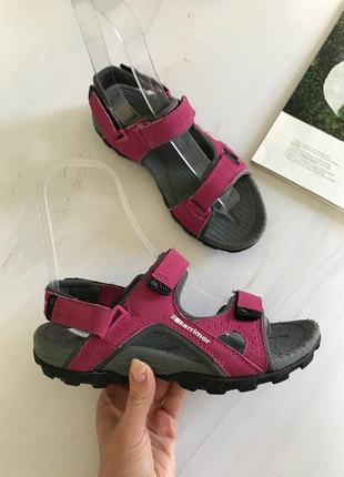 Оригінальні босоножки сандалі karrimor