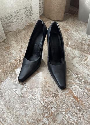 Туфли кожаные черные на высоком каблуке р 38