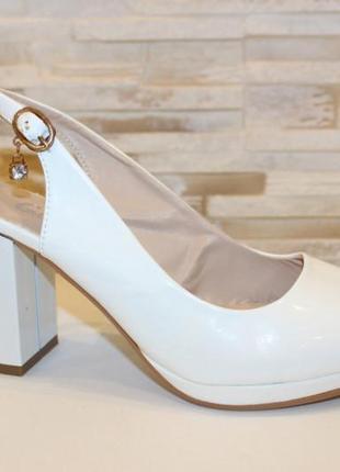 Белые женские босоножки на каблуке летние новые - женская летняя обувь 2021