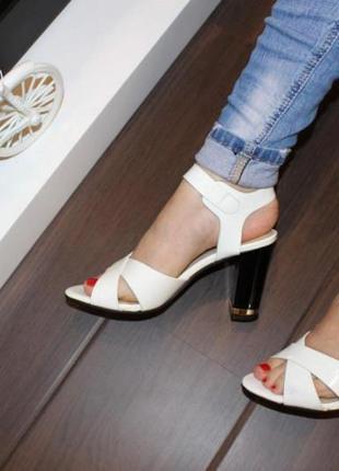 Белыеженские босоножки туфли на каблукес ремешком летние новые -  женская летняя обувь 2021