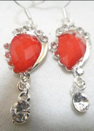 Серьги с красным кристаллом