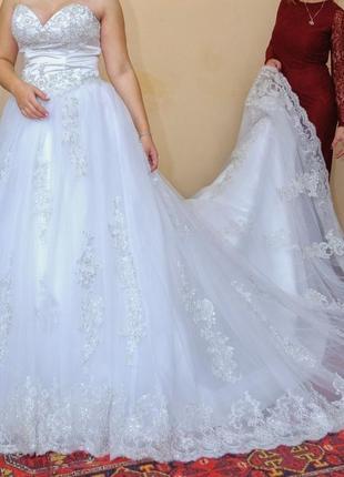 Свадебное платье, платье ср шлейфом