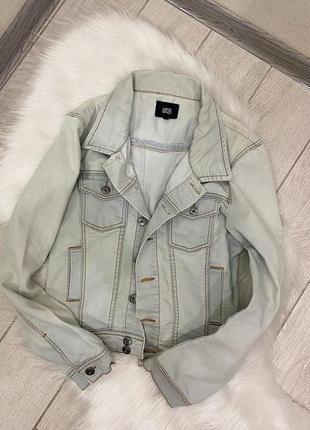 Укороченый джинсовый пиджак