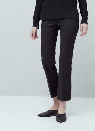Стильные укороченные брюки прямого кроя