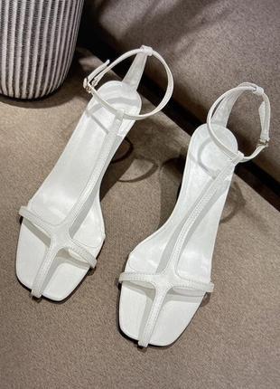 Босоножки белые полосочки , кожаные босоножки