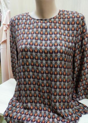 Модна блуза в принт