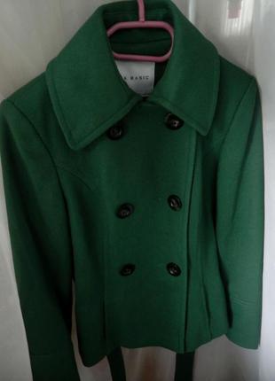 Стильное  шерстяное пальто s/mмаленькая  (см.замеры)