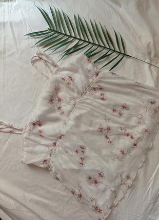 Блуза нарядная вышитая нежная