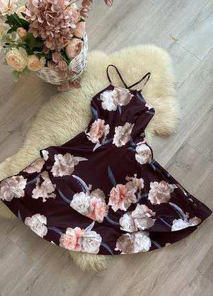 Летнее короткое платье в цветок