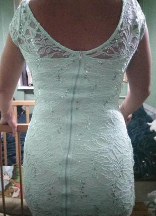 Мятное  кружевное клубное платье с пайетками