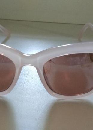Солнцезащитные очки в розовой пластиковой оправе zara4 фото