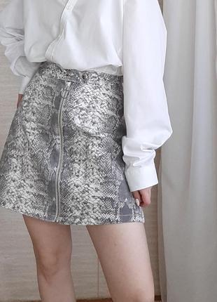 Трендовая юбка на молнии в принт5 фото