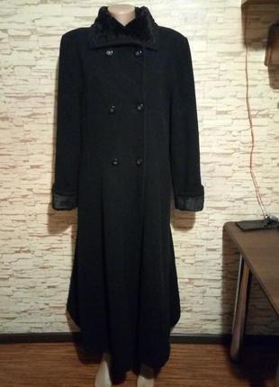 Шикарное шерстяное пальто с кашемиром