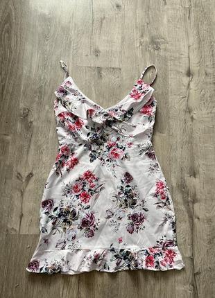Красивое платье в цветочек