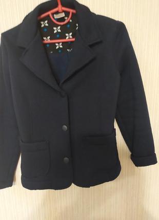 Стильный пиджачок для маленькой красотки