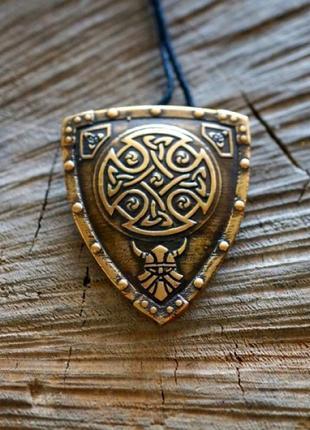Подвеска бронзовая амулет щит викингов -символы предков