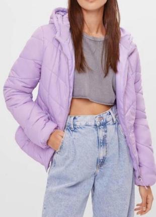 Женская  куртка на синтепоне bershka оригинал    размер l