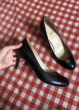 Кожаные туфли на каблуке лодочки винтаж christian louboutin paris оргинал париж