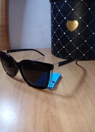 Солнцезащитные очки поляризованные отличного качества