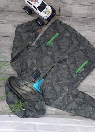 Куртка ветровка для мальчика 3- 4 лет