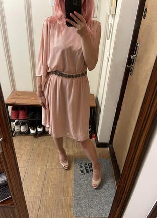 Коктейльное вечернее платье пудового цвета incity в размере xs-s