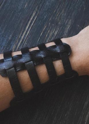 Широкий кожаный браслет , плетеный браслет . ручная работа (цвета размеры)