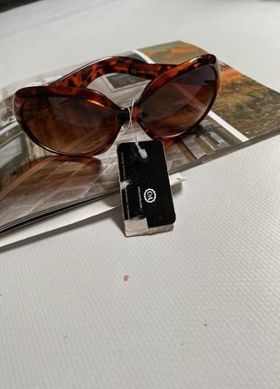 Солнцезащитные очки в леопардовый принт