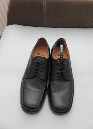 Мужские кожаные классические туфли .