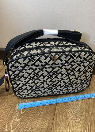 Новая tommy hilfiger оригинал сумка,crossbody,сумочка
