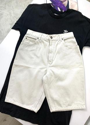 Бежевые джинсовые штаны