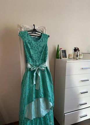 Платье (спереди короче, сзади - длиннее)