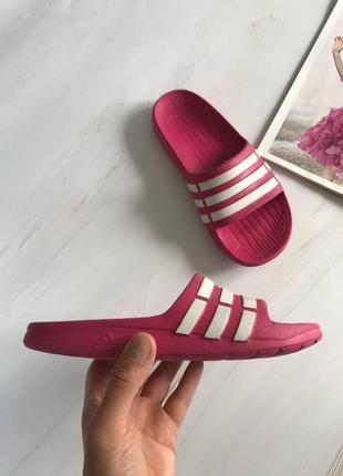 Оригінальні шльопанці adidas k3