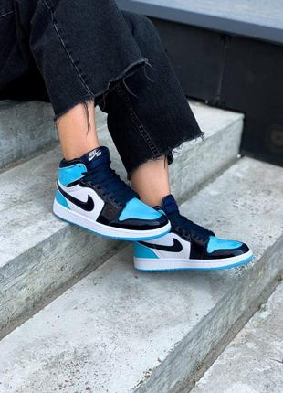 Женские кроссовки nike air jordan 1 blue patent
