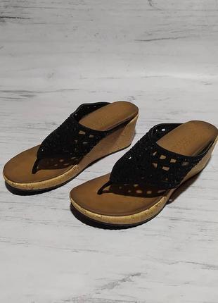 Skechers original шлёпанцы шлепки вьетнамки на платформе