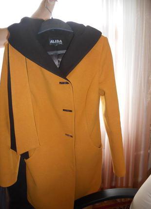 Красивое деми-пальто!