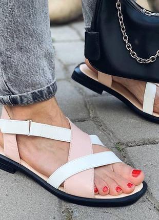 Кожаные сандалии переплет. наложка