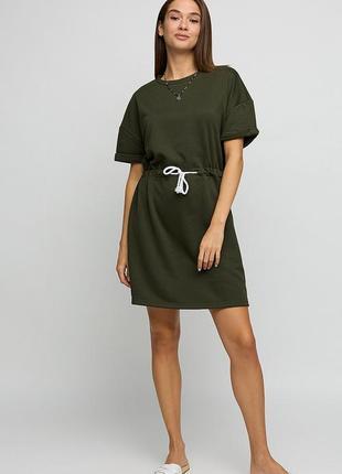 Платье в спортивном стиле из трикотажа
