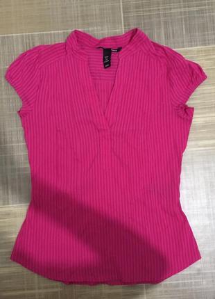 H&m приталенная малиновая рубашка блузка на короткий рукав футболка женская