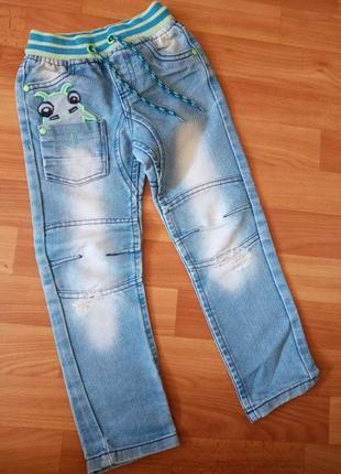 Крутые джинсы 104 р.