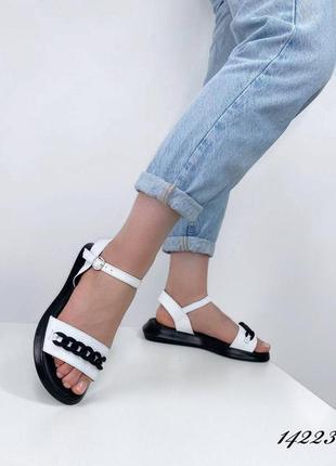 Босоножки сандалии натуральная кожа на высокой белые с цепью летние