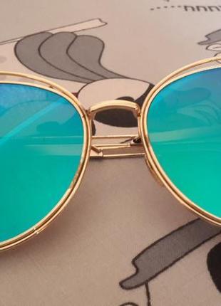 Сонцезахисні окуляри cat eyes