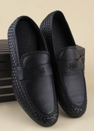 Мужские черные туфли, мокасины, босоножки из эко-кожи на каблуке