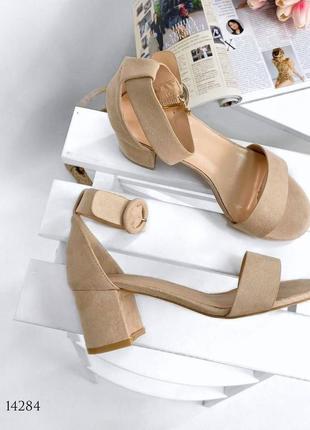 Босоножки боссоножки шлепанцы эко замш на толстом каблуке  сандалии