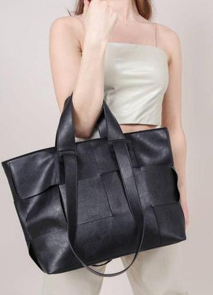 Вмістка сумка-шопер з широкими ручками.