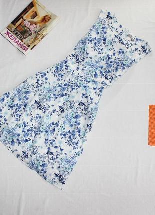 Хлопковое классического приталенного кроя платье в цветы , очень классное