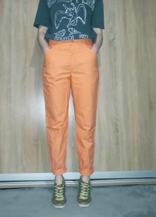 Хлопоковые яркие оранжевые брюки ровного кроя на высокой посадке