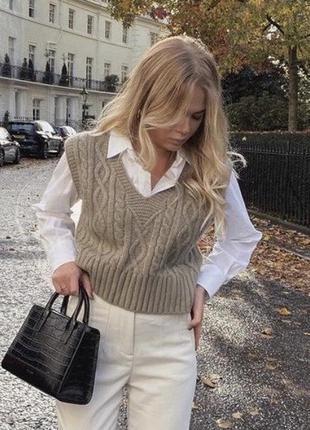 Трендовая шерстяная жилетка на рубашку (кофейная)