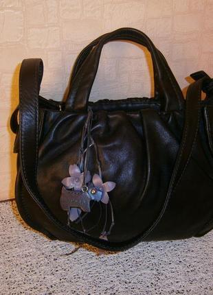 Красивая, стильная сумка из натуральной кожи. radley