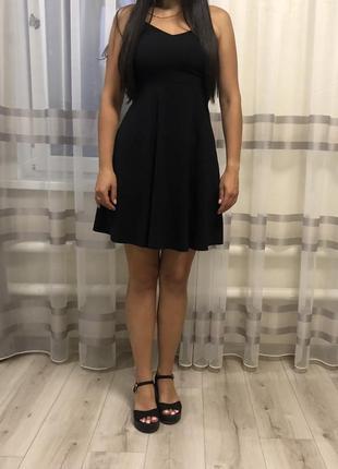 Чёрное платья