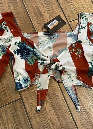 Легкая летняя блуза с пышными рукавами и завязками на груди